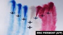 تیم مشهور نمایشهای هوایی «نگهبان فرانسه» در نمایشگاه پاریس