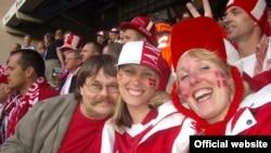 Roligans - датские футбольные фанаты, воспитанные и дружелюбные, противопоставляющие себя агрессивным футбольным хулиганам