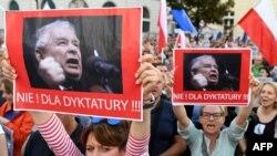 La demonstrațiile de la Varșovia...
