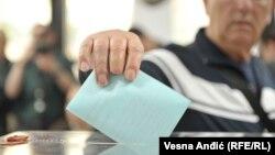 Iako ih najavljuje, još se ne zna da li će Vučić raspisati prevremene izbore
