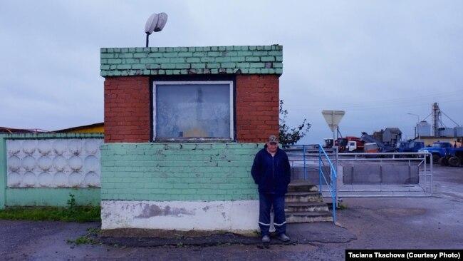 «Мой месячный заработок - 80 рублей. Могут платить продуктами ». Репортаж из Шарковщины, центру самого бедного района Беларуси
