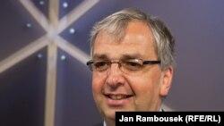 Czech Republic - AIB's Simon Spanswick at RFE/RL, Prague, 10Aug2011