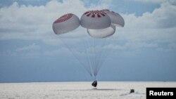Посадка Crew Dragon в Атлантическом океане, Флорида, США, 19 сентября 2021 года