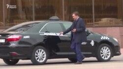 Астананың жаңа әкімі де таксимен жүрмек
