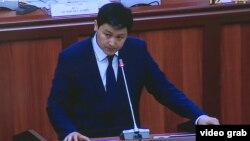 Улукбек Марипов парламенттеги көпчүлүк коалициянын жыйынында. 1-февраль, 2021-жыл.