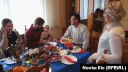 Proslava Božića u porodici Jelisavčić