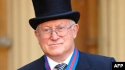 Олег Гордиевский на приеме у королевы Великобритании. Букингемский дворец, 2007 год