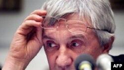 Коллеги Юрия Щекочихина считают, что его последнее расследование о махинациях с контрабандой мебели стало причиной его гибели.