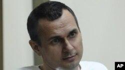 Олег Сенцов 14 мая объявил голодовку, требуя от России освободить всех украинских политзаключенных