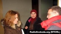 Украина -- Осмаев Адаман адвокат Черток Ольга а, хIусамнана Окуева Амина а журналисташца къамелаш деш, Одесса, 24ГIу2012