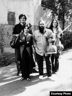 (از چپ به راست) ایمان وزیری، سپیده رئیسسادات، علی رحیمی و لعیا اعتمادی