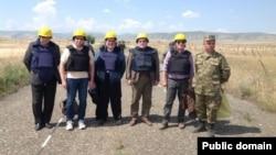 Сопредседатели Минской группы ОБСЕ на линии соприкосновения войск Нагорного Карабаха и Азербайджана, 19 мая 2014 г.