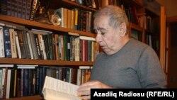 Писатель Акрам Айлисли