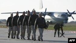 Российские военные летчики, прибывшие из Сирии на военную базу в Краснодарском крае. 16 марта 2016 года.