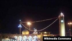 احتفال ديني شعبي في محيط جامع الإمام الأعظم