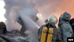 Окончательно справиться с огнем сотрудникам МЧС и военным удалось только к полудню вторника
