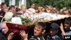 Похороны погибших в результате аварии на СШГЭС