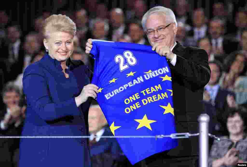 Predsjednik Hrvatske Ivo Josipović i prdsjednica Litvanije Dalia Grybauskait