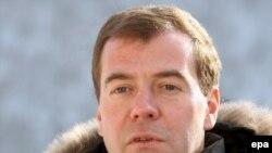 Дмитрий Медведев в своем видеоблоге призвал граждан комментировать президентские действия. Граждане откликнулись