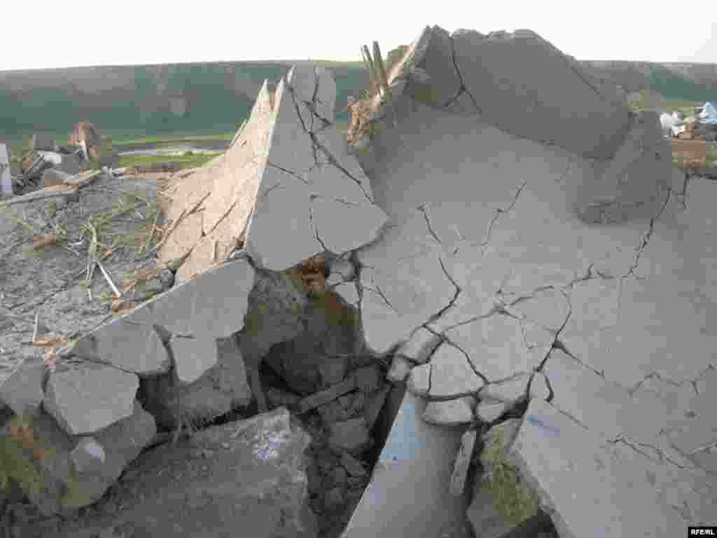 После сноса домов в поселении «Тойлысай» #3