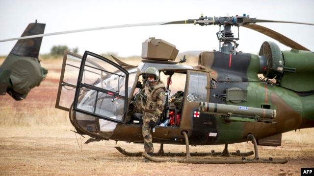 French forces are working with Malian forces in the fight against the guerrillas.