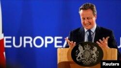Davic Cameron na konferenciji za novinare u Briselu