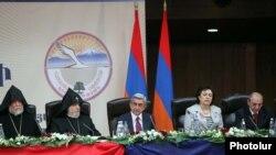 На открытии всеармянского форума руководителей и представителей организаций Диаспоры, Ереван, 19 сентября 2011 г.