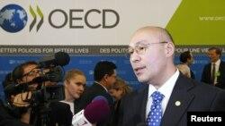 Кайрат Келимбетов, вице-премьер Казахстана, в день отбора претендентов на право проведения EXPO. Париж, 22 ноября 2012 года.