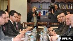 Обсуждение проблем Боснии пока ничем позитивным не заканчивается.