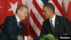 Рәҗәп Тайип Эрдоган һәм Барак Обаманың 2011 елда Нью-Йоркта БМО генераль ассамблеясы утырышында очрашуы