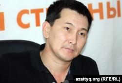 Независимый журналист Лукпан Ахмедьяров. Алматы, 22 октября 2012 года.