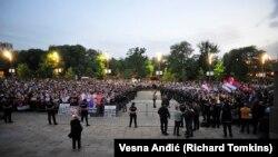 Sa protesta u Beogradu ispred Skupštine Srbije, 11. maj