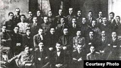 Төрле сәяси оешмаларга кергән татар-башкорт сәясмәннәре