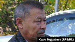 Гражданский активист Есенбек Уктешбаев. Алматы, 2 октября 2014 года.