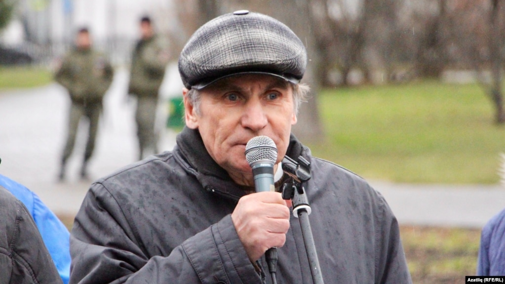 Фарит Закиев на митинге 6 ноября
