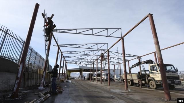 Gradnja graničnog prelaza Merdare, decembar 2012.