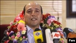 وکیلی راد در فرودگاه تهران
