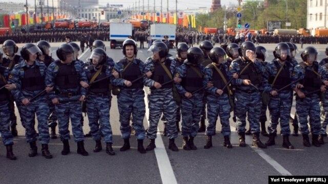 """ОМОН на """"Марше миллионов"""" в Москве, 6 мая 2012"""