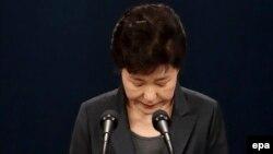 Պակ Կին Հեն Հարավային Կորեայի նախագահի պաշտոնում, Սեուլ, նոյեմբեր, 2016թ․