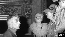 Samuel Beckett, Madeleine Renaud și Simone Valre la Teatrul Odeon la Paris, 1966