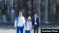Жыргалбек Орозбаев, Эсен Калиев жана Дене-тарбия жана спорт мамлекеттик агенттигинин кызматкери Марат Ходжаев.