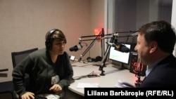 Лилиана Барбэрошие и Игорь Мунтяну в кишиневской студии Свободной Европы