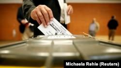На одній із виборчих дільниць у Німеччині. Мюнхен, 24 вересня 2017 року