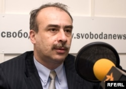 Таҳлилчи Артём Улунян