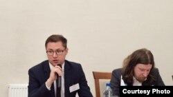 Ініцыятар стварэньня партыі «Саюз» Сяргей Лушч (зьлева) і палітоляг Аляксей Дзермант, архіўнае фота