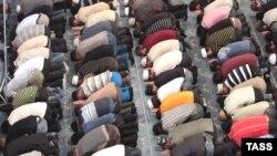 Молитва в мечети во время Курбан-айта. Иллюстративное фото.