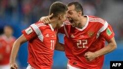 Сборная России по футболу вышла в 1/8 финала чемпионата