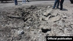 Последствия взрыва на трассе Ереван-Севан (фото - МЧС)