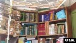 هفته گذشته با انتشار مجموعه شعر «نردبان اندر بيابان»، تازه ترين شعرهای ضياء موحد، شاعر برجسته معاصر، در دسترس علاقمندان قرار گرفت.