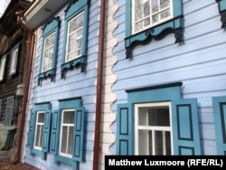 One of the Tomsk houses restored under the government's Rent For A Ruble program.